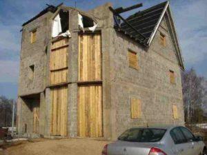 Можно ли застраховать недостроенный дом