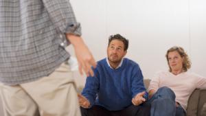 Поссорились с сыном взрослым просит денег