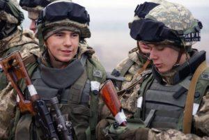 Сколько получают военнослужащие контрактники в горячих точках