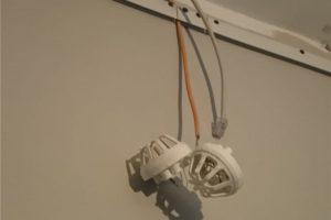 Как снять пожарный извещатель с потолка