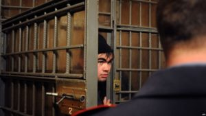 Могут ли иностранные граждане отбывать административный арест