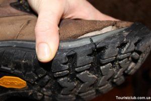 Почему лопается кожа обуви возле подошвы